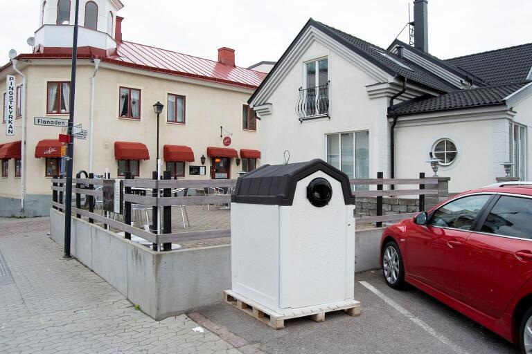 Så här skulle det se ut om KSRR går vidare med sitt förslag på att placera en ny sopbehållare för hushållen i Besväret.