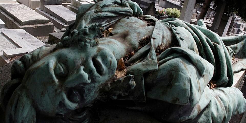 Terry Hannington gillar att fotografera detaljer, bland annat statyer. Bilden ovan är tagen på en kyrkogård i Paris. Foto: Terry Hannington.