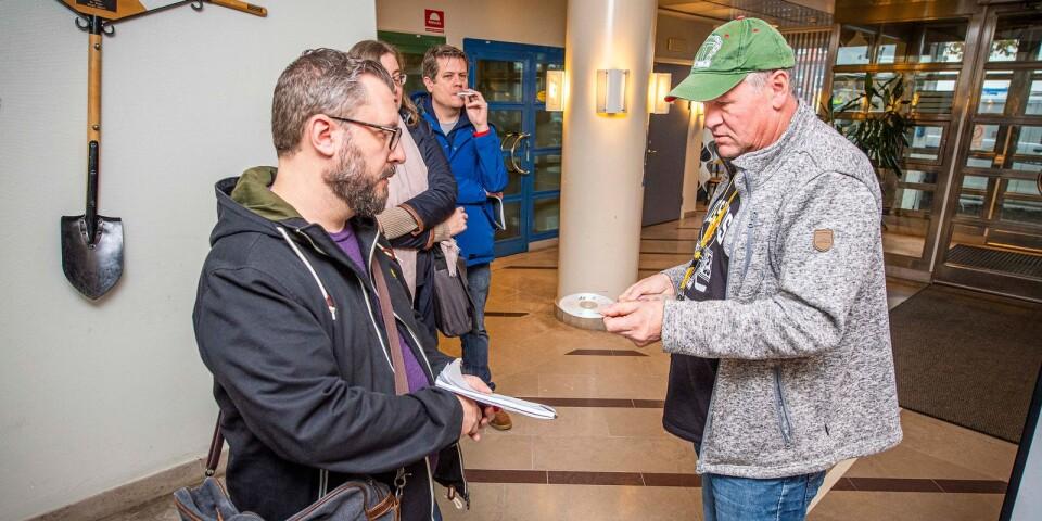 På onsdagen tog Sydöstran del av den omfattande förundersökningen – närmare 15000 sidor – som lämnades ut på cd-skiva av polisen i Karlskrona.