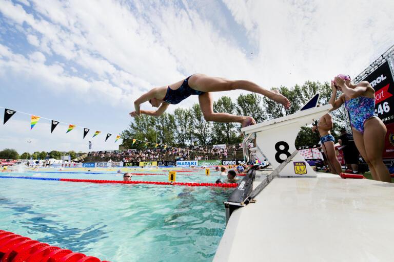 Simningen kör ett coronaanpassat mästerskap i slutet av juni. Arkivbild.