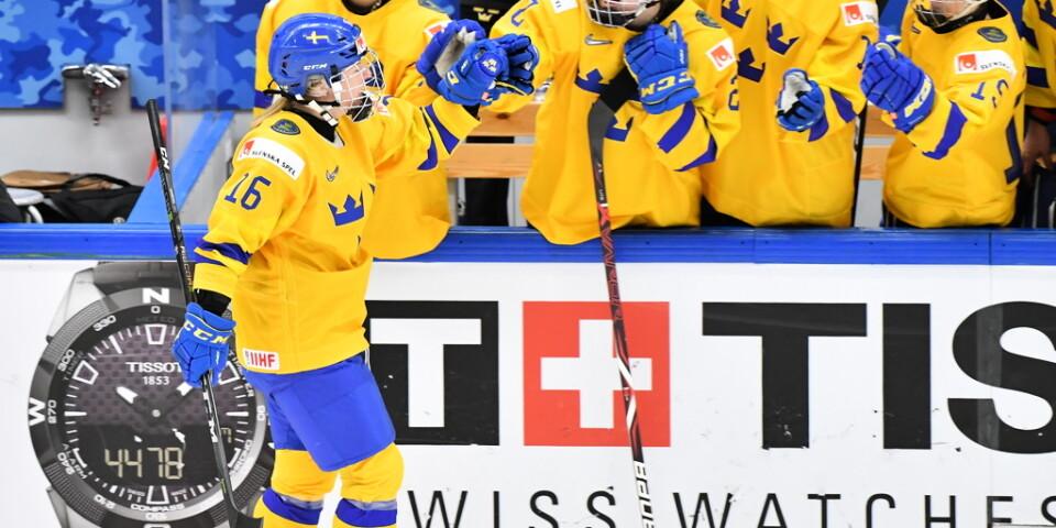 Damkronorna vann mot Finland med 4–1. Arkivbild.