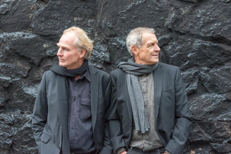 Adolphson & Falk består av Tomas Adolphson och Anders Falk.