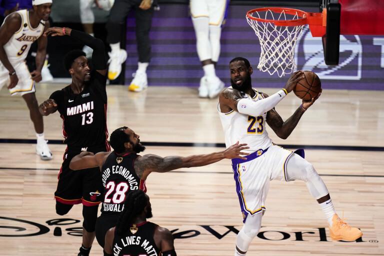 LeBron stannar i Lakers – kan spela med sonen