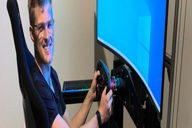Marcus Ericsson har kört simulator i hemmet i Indianapolis. Verklighetstroget till viss del, men det där känslan han får i bilen infinner sig inte riktigt.