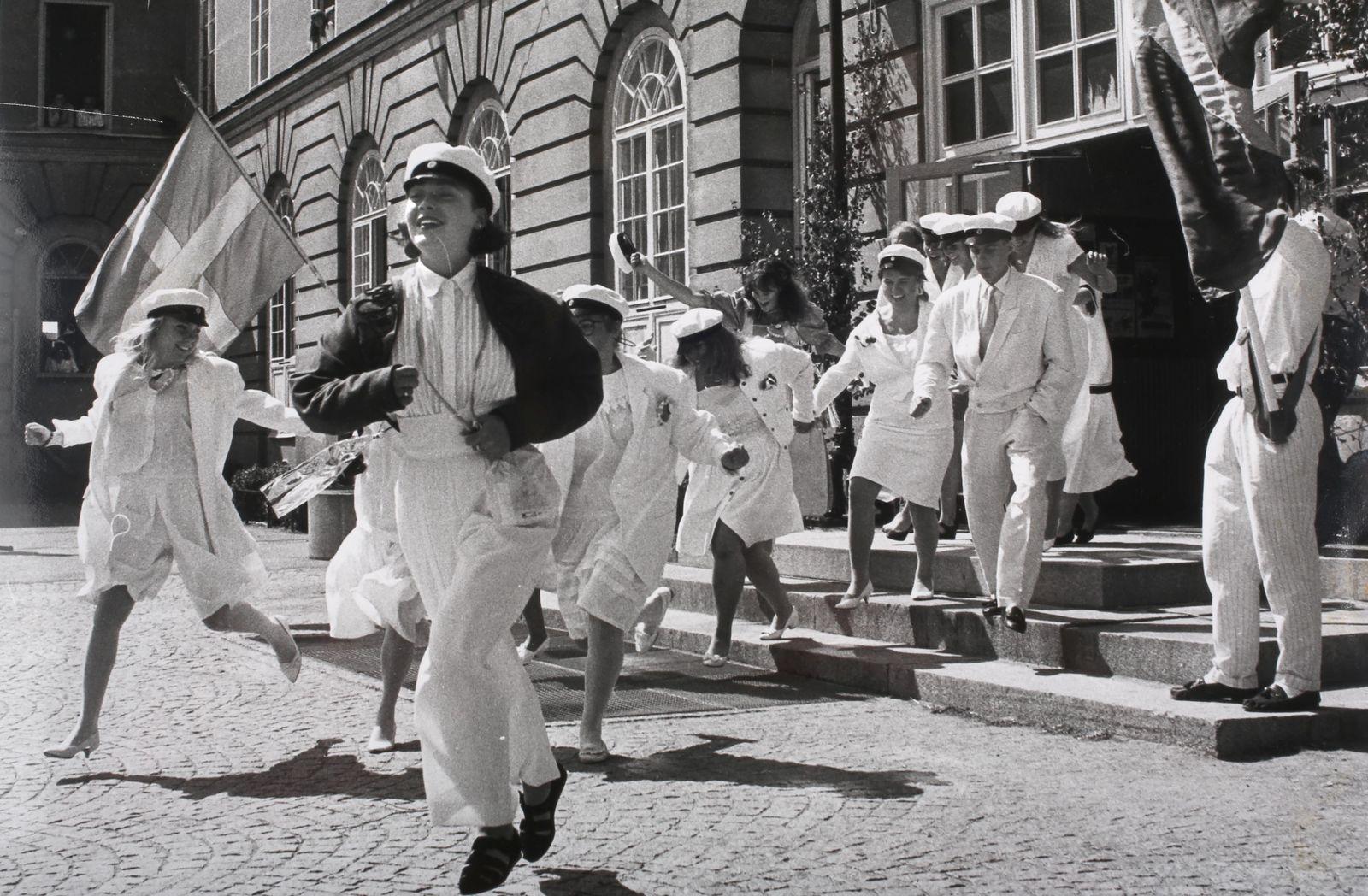 Sjung om studentens lyckliga dag 1989 på Stagneliusskolan.