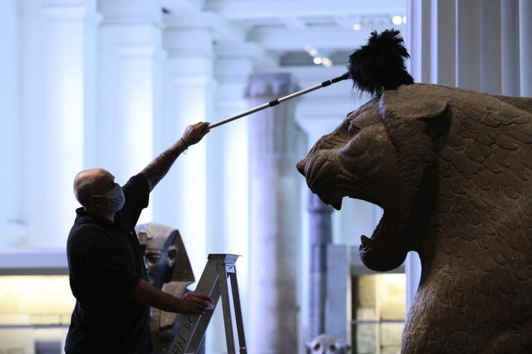 Storbritannien ger tillbaka irakisk skulptur