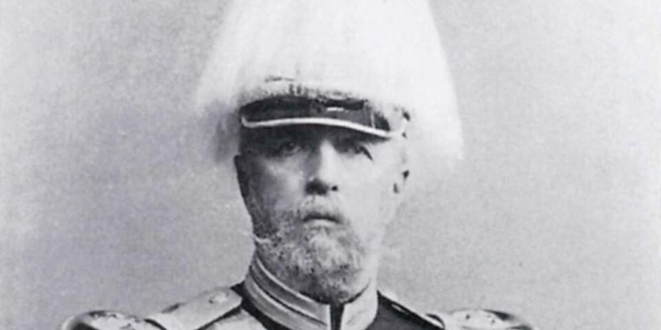 """1889 utsågs Oscar II till silkesodlingssällskapets höge beskyddare och vid sitt besök i Borgholm den 11 augusti 1890 inspekterade han anläggningen och """"därvid med synbart intresse såg den pågående upphasplingen av råsilke från sommarens kokongskörd."""""""