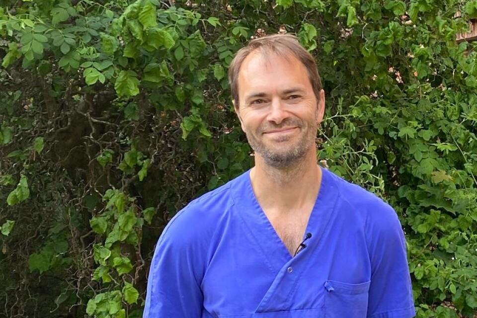 """""""Alla barn är unika och har olika inneboende förmågor att klara detta så det måste alltid bedömas på nytt varje gång"""", säger barnläkaren Pontus Johansson om neonatalvården."""