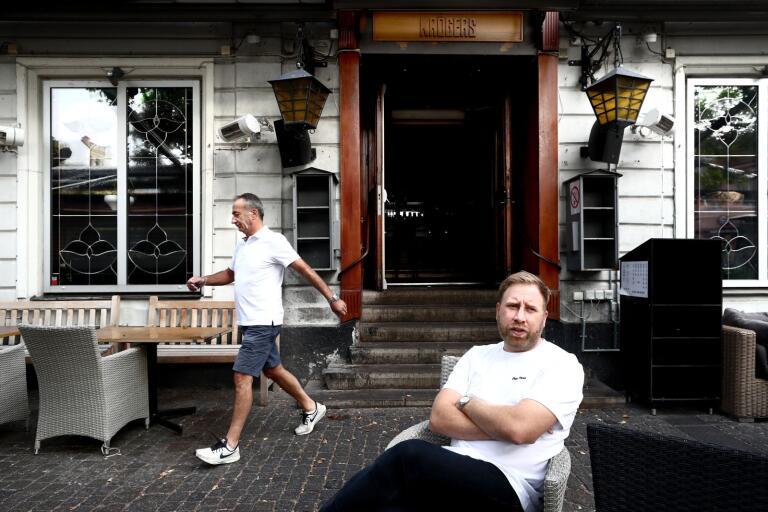 Tellis Agrotis är på väg bort från sitt livsverk Krögers. I 26 år har han drivit succé-krogen, men nu har han sålt till Martin Bergvall Nilsson (bilden) och Pär Sigfridsson.