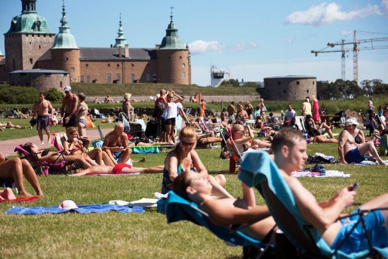 Kalmar petas ner från förstaplatsen av annan stad i länet.