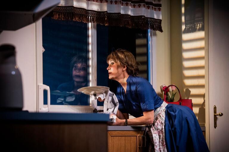 Maria Lundqvist spelar Shirley Valentine av Willy Russell.