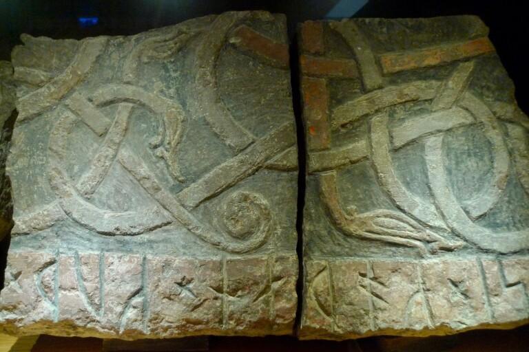Unika runstenar berättar om livet för tusen år sedan