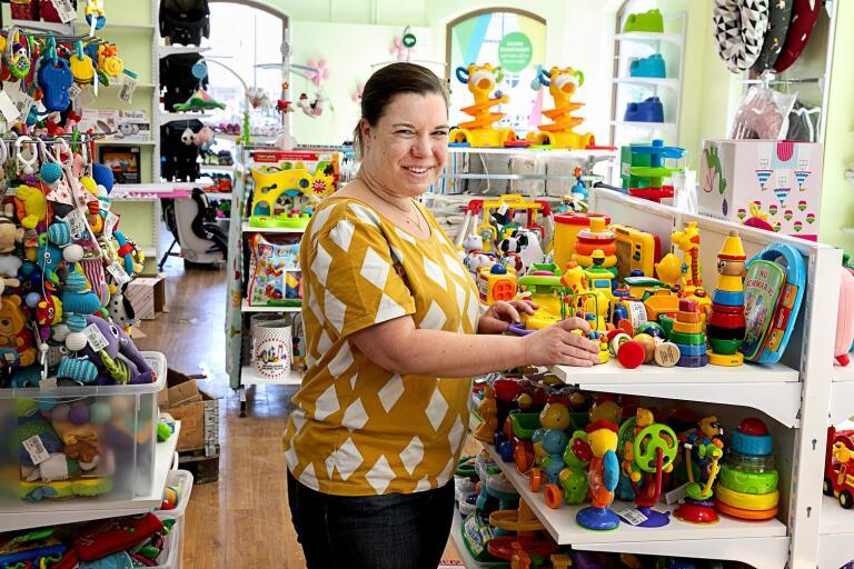 Emma Slättengren ska driva Busfröbutiken i Oskarshamn tillsammans med två anställda.