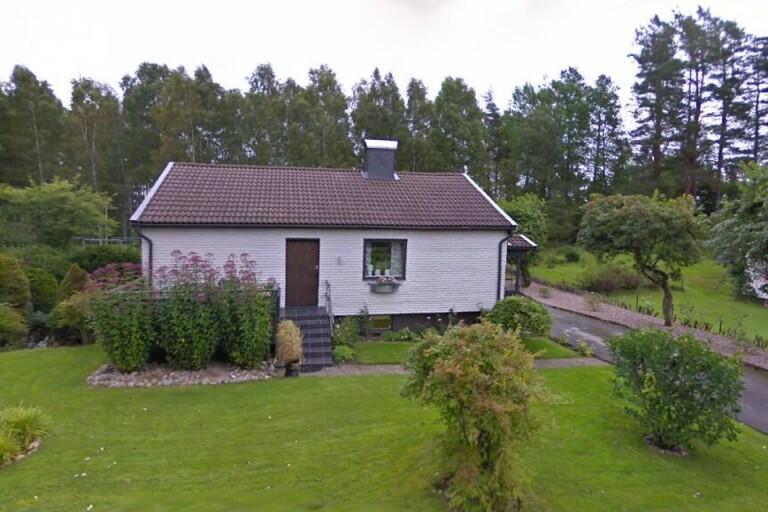 Huset på Grönelidsvägen 8 i Dalsjöfors har nu sålts på nytt – stor värdeökning