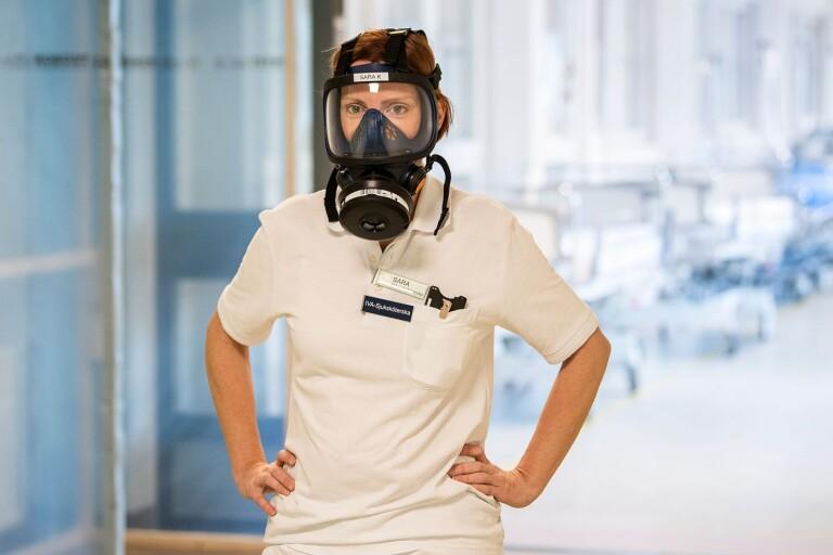 """Sara arbetar på intensiven i Växjö: """"Det är en ständig oro"""""""