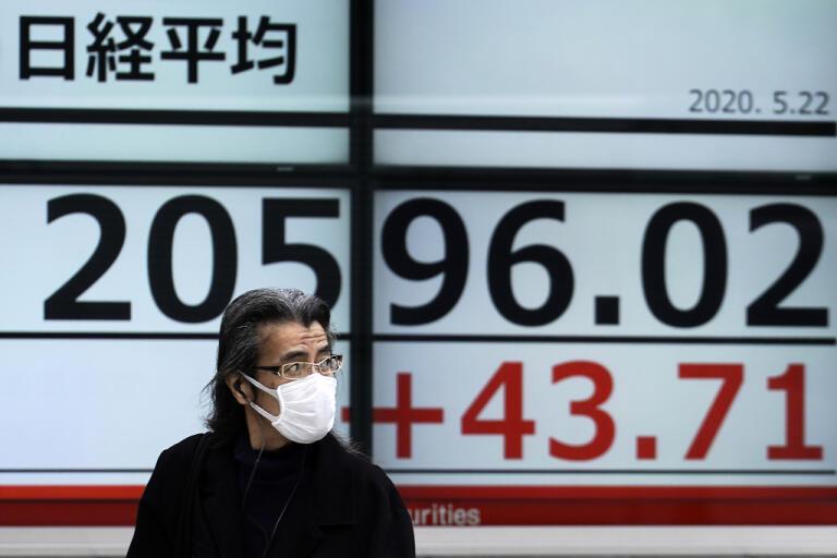 Uppgifter om nytt japanskt stimulanspaket fick Tokyobörsen att stiga. Arkivbild.
