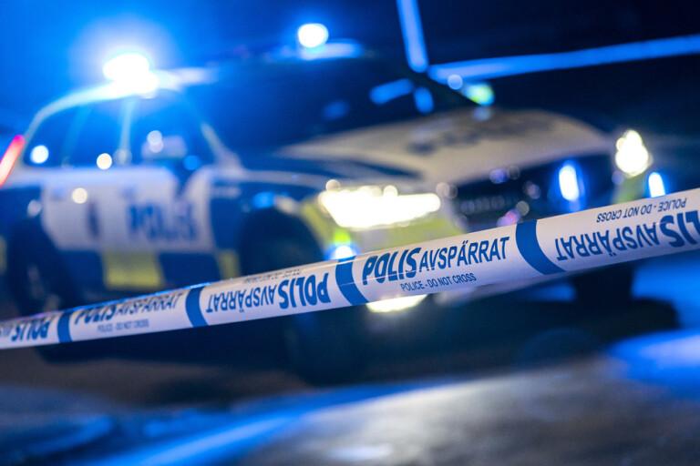 Person stickskadad – flera misstänkta jagas