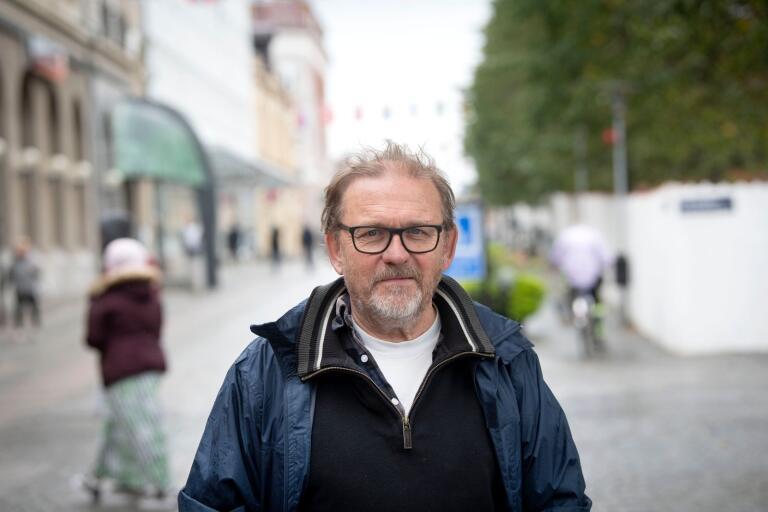 Anders Englesson (MP) tycker inte att Karlshamns kommun är solidarisk när man inte ställer upp med fristad för förföljda kulturutövare.