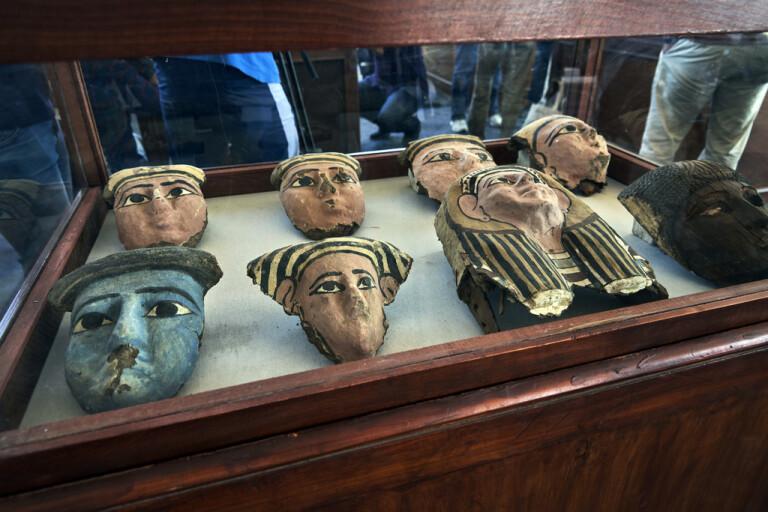 Egyptiskt storfynd av forntida sarkofager