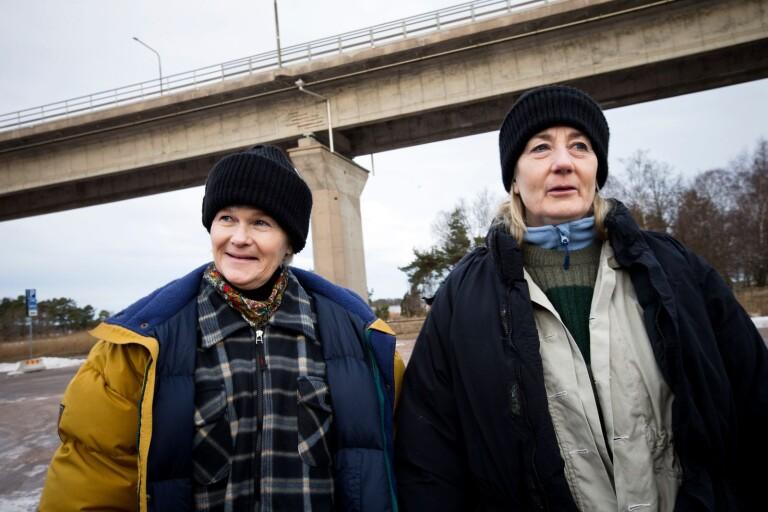 Sissela Kyle och Lotta Tejle vid inspelningarna på Svinö.