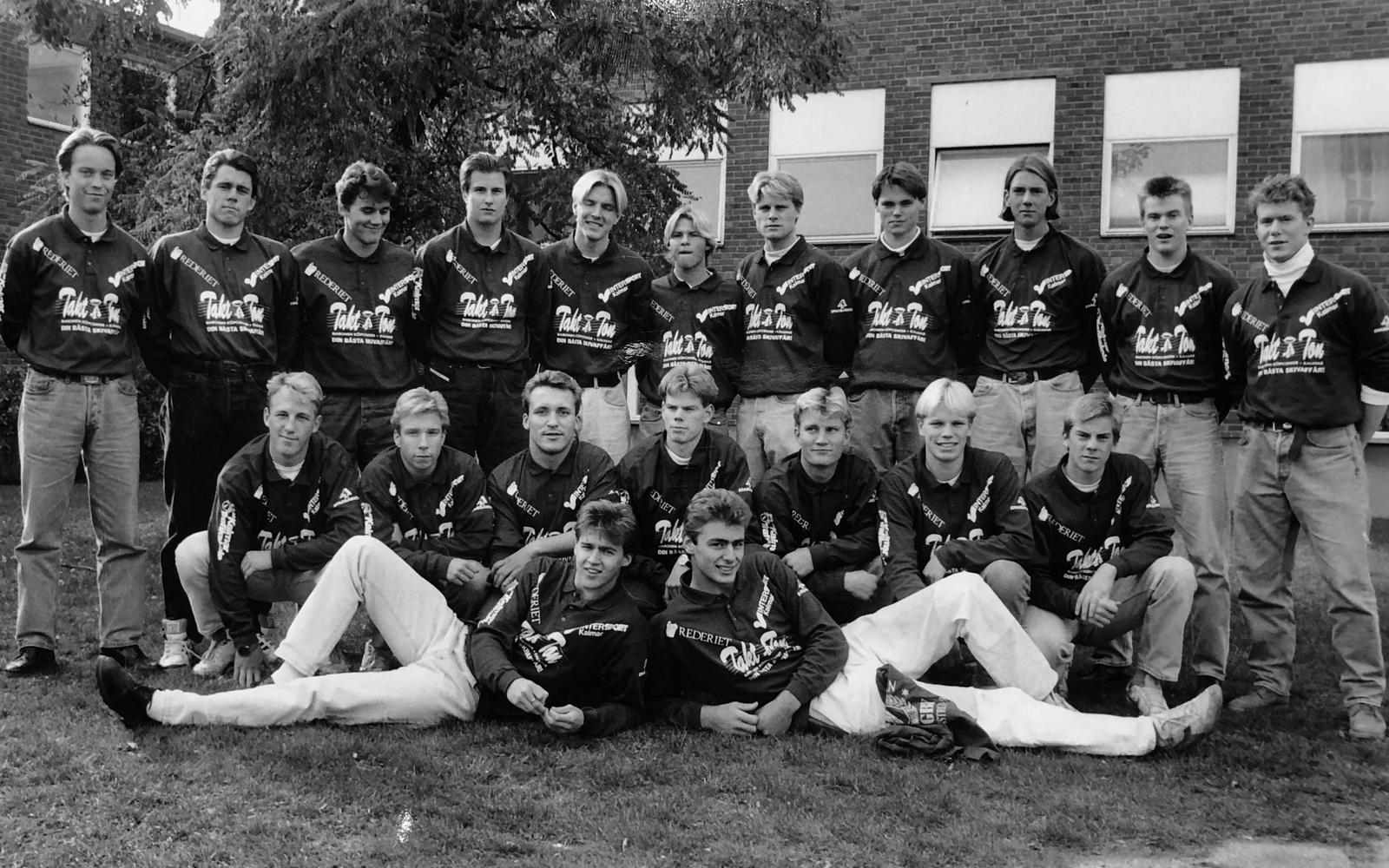Lagbild på Kaggs killar från ett stort reportage i Barometern-OT:s ungdomsbilaga åXå inför rugbyn 1992.