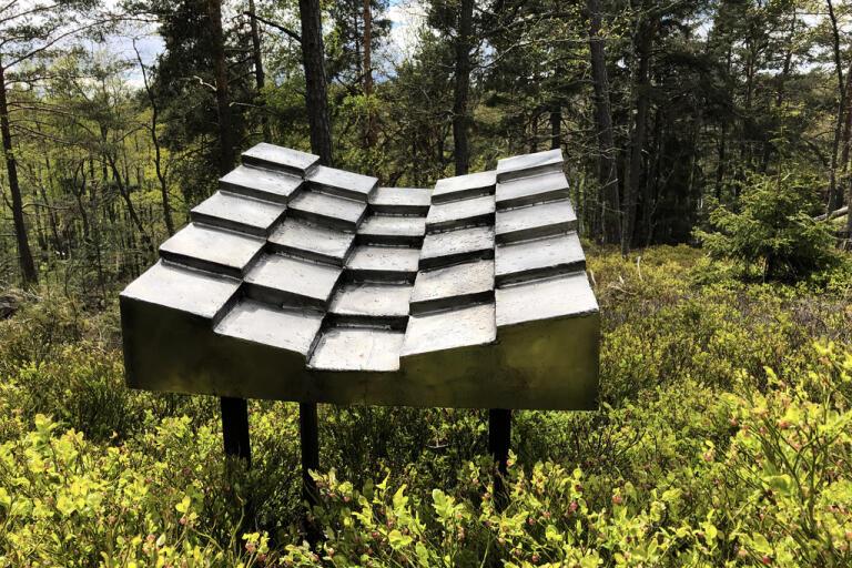"""Rainwaves"""" är en ljudskulptur i rostfritt stål. Pressbild."""