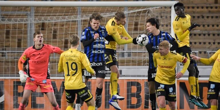 Tim Rönning höll Elfsborg kvar i matchen genom flera starka reflexräddningar.