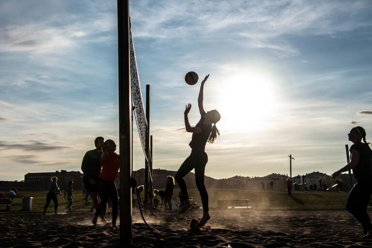 Beachvolleyboll på Stortorget i sommar