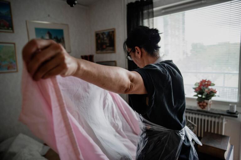 Det är psykiskt påfrestande att jobba i ett av kommunens hemvårdsområden, menar Kommunal. Genrebild.