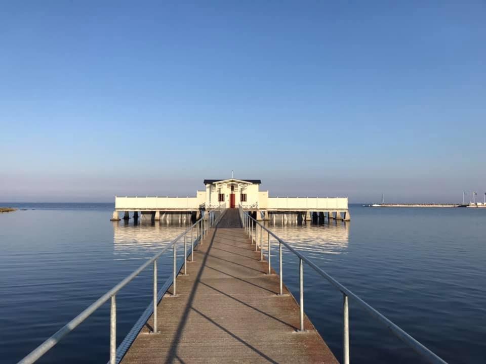 Kallbadhuset i Borgholm och 14 grader i vattnet onsdagen den 16 september, rapporterar Weronica Silfverling.