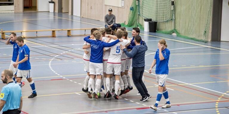 Torestorp/Älekulla FF tidigare vinnare av Skene Järn Cup. Förra året spelade 32 lag cupen.
