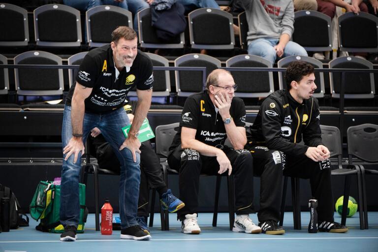 Robert Andersson ska försöka leda HIF Karlskrona till tredje raka segern i handbollsallsvenskan.