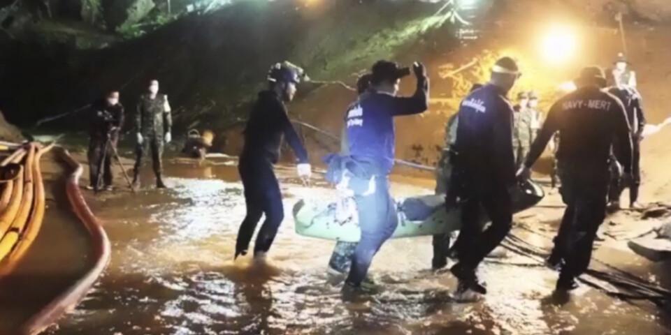 Samtliga 13 från fotbollslaget räddades ur grottan. Operationen följdes av hela världen. Totalt deltog runt 10|000 personer i räddningsinsatsen. Arkivbild