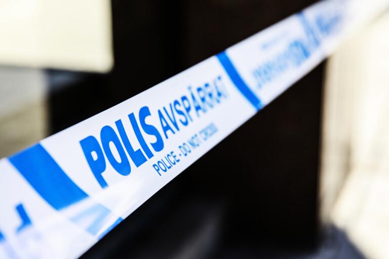 En bil totaldemolerades i en detonation i Fittja under natten till tisdagen. Arkivbild.
