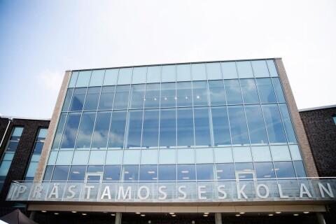 Prästamosseskolan: Utredningen om rektorn fortsätter