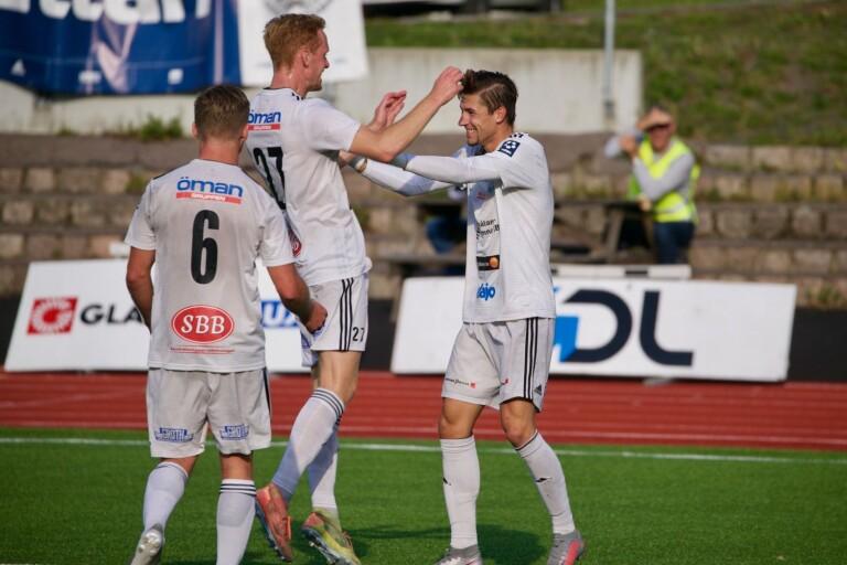 Reinholdsson hattrickhjälte för OAIK
