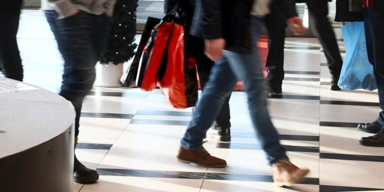 """""""Direkt olämpligt att trängas i butiker och köpcentrum"""""""