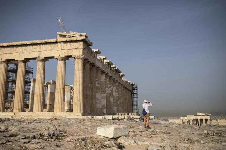 Sverige finns inte med på Greklands lista över välkomna turister.