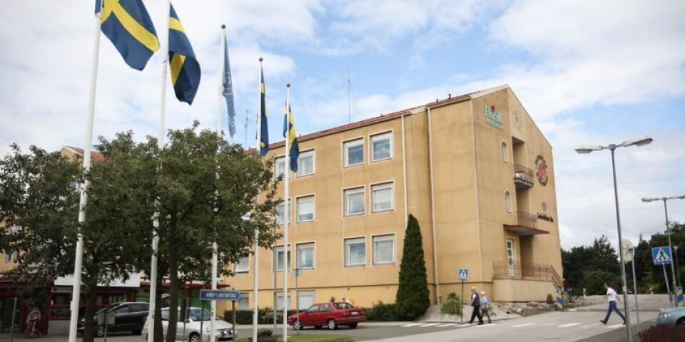 Simrishamns sjukhus bantas för att underlätta att hitta en ny entreprenör, enligt Pia Ingvarsson (S).
