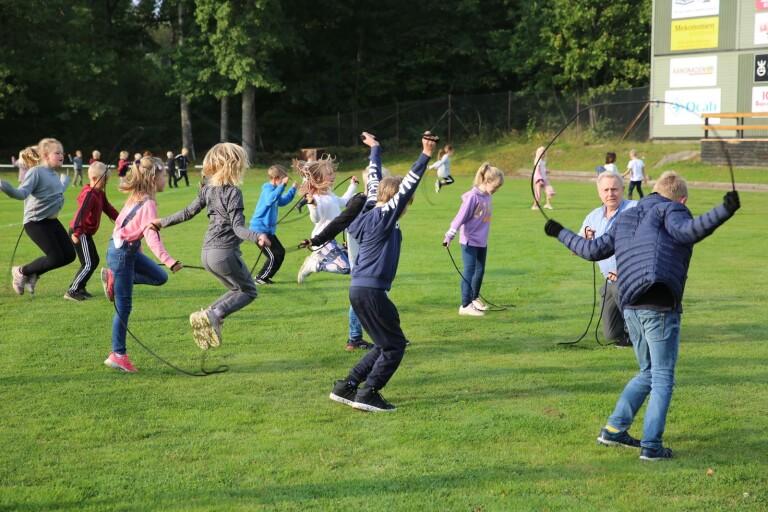 TV: Unga hoppar för bättre hälsa
