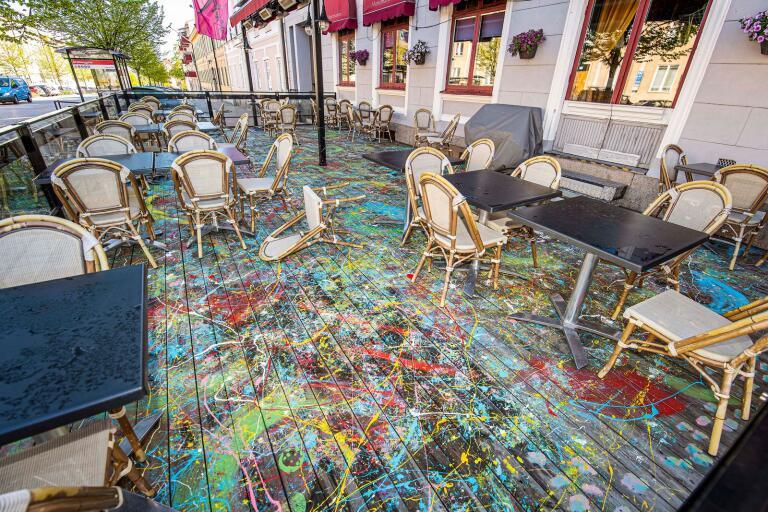 Restaurang Montmartre och den nymålade uteserveringen som skapat reaktioner.