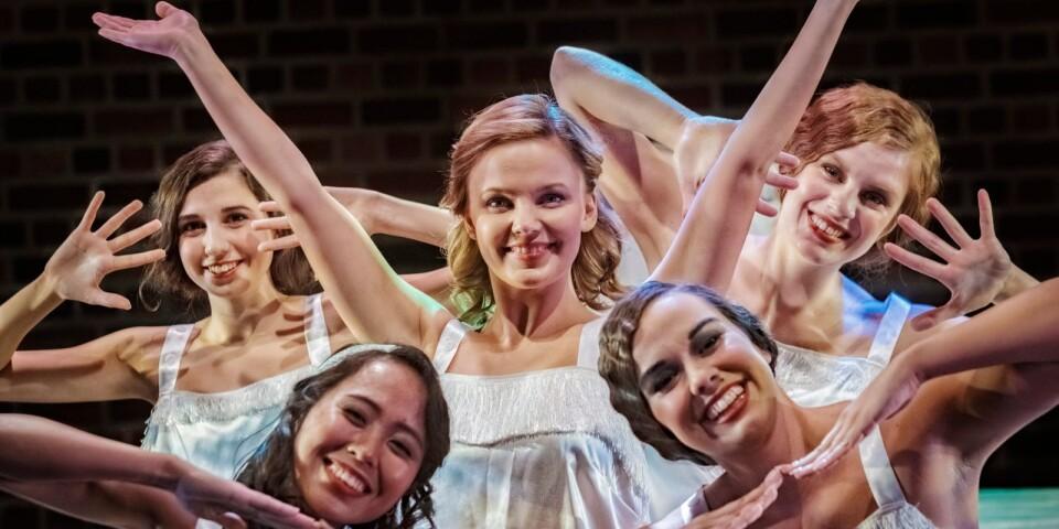 Sissela Persson från Simrishamn tog examen vid Performing Arts School i somras. Nu är hon Kathy Selden på Kristianstads Teater.
