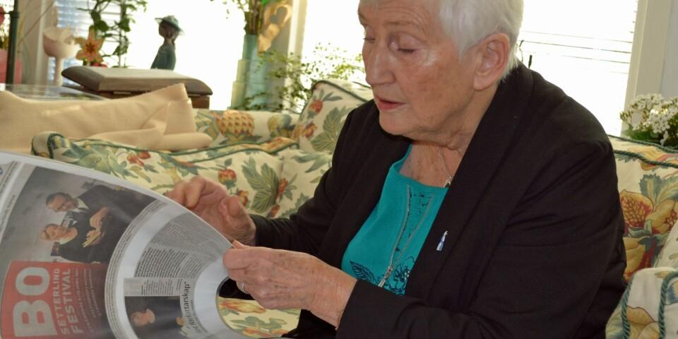Talpedagogen och läraren Ulla Liefwendal bläddrar i minnenas arkiv, och hela tiden dyker Bo Setterlind upp. Här i artiklar i samband med festivalen i Strängnäs domkyrka och kulturhuset Multeum 2011, som hölls till minne av den Växjöfödde skalden och som Ulla deltog i.