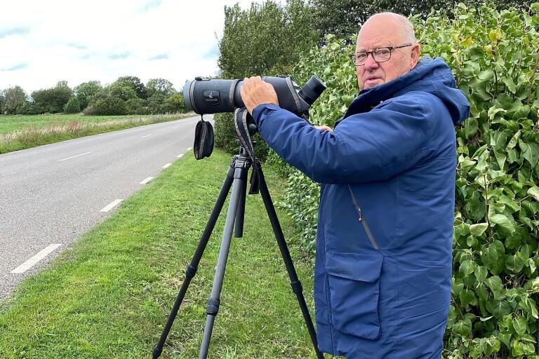 Douglas Karlsson i Hammarby har skådat fågel varje dag i 50 års tid, sedan åtta år bor han permanent på Öland.