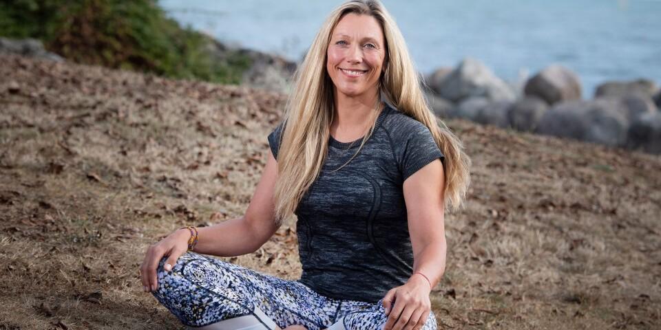 """""""För mig är yogan allt. Den finns i allt jag gör"""", säger hon."""