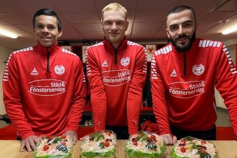 """Kalmar FF levererar smörgåstårta till supportrar: """"Vill ge något tillbaka"""""""