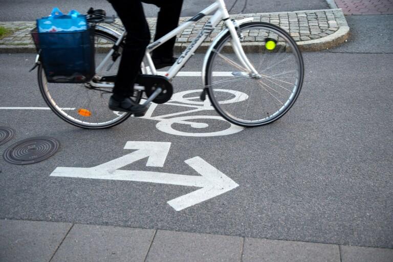 En ny cykelväg ska byggas mellan Drakskeppsvägen och Sjöfararvägen.