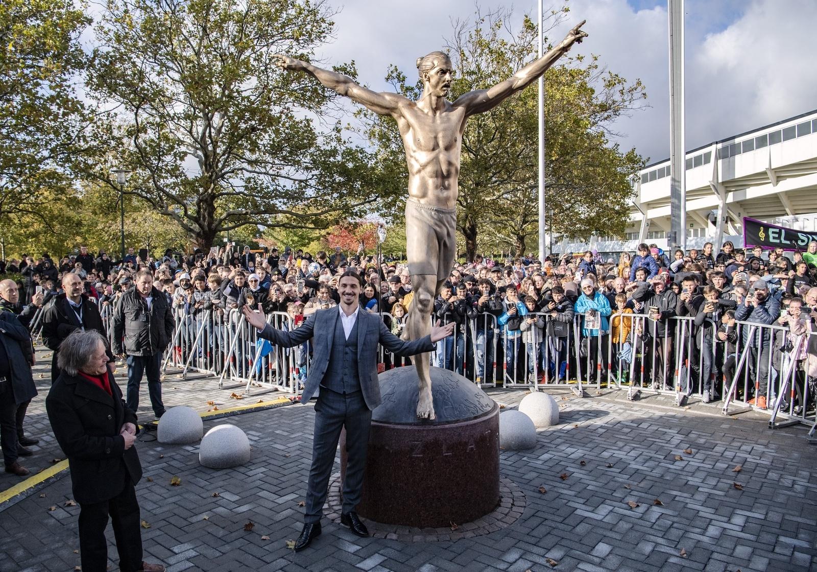 Zlatanstatyn blir kvar i Malmö