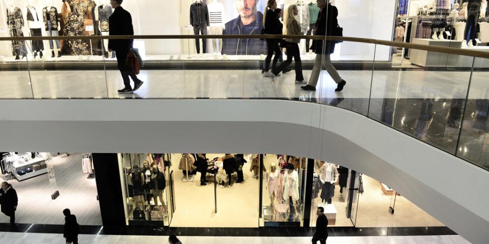 De svenska hushållen konsumerar mer. Här en bild från köpcentret Mall of Scandinavia i Solna. Arkivbild.
