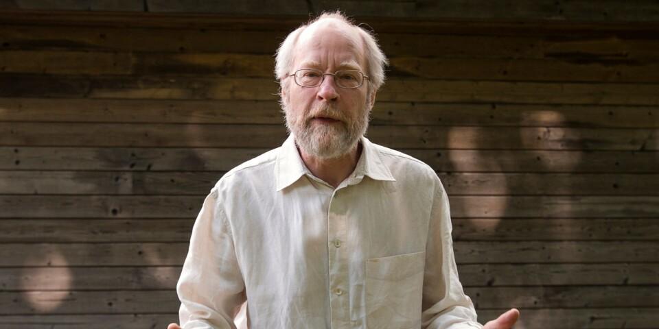 Författaren Per Gustavsson gästar Ystad Stadsbiblioteks inspirationsdag för frivilliga högläsare och läsombud inom omsorgen.
